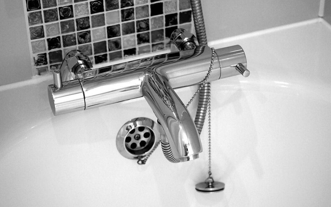 Les principales mauvaises habitudes de douche qui ruinent votre plomberie